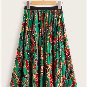 NWOT Beautiful multicolored pleated skirt
